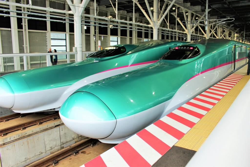 20160504北海道新幹線(新函館北斗駅ホーム)