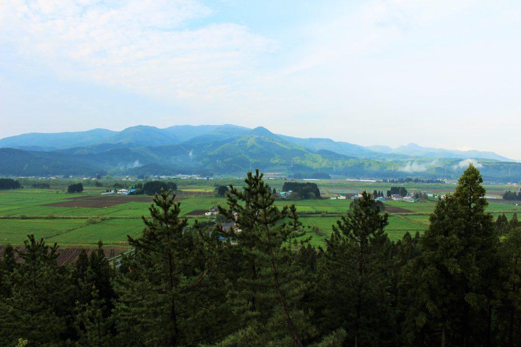 知内町の雄大な山々