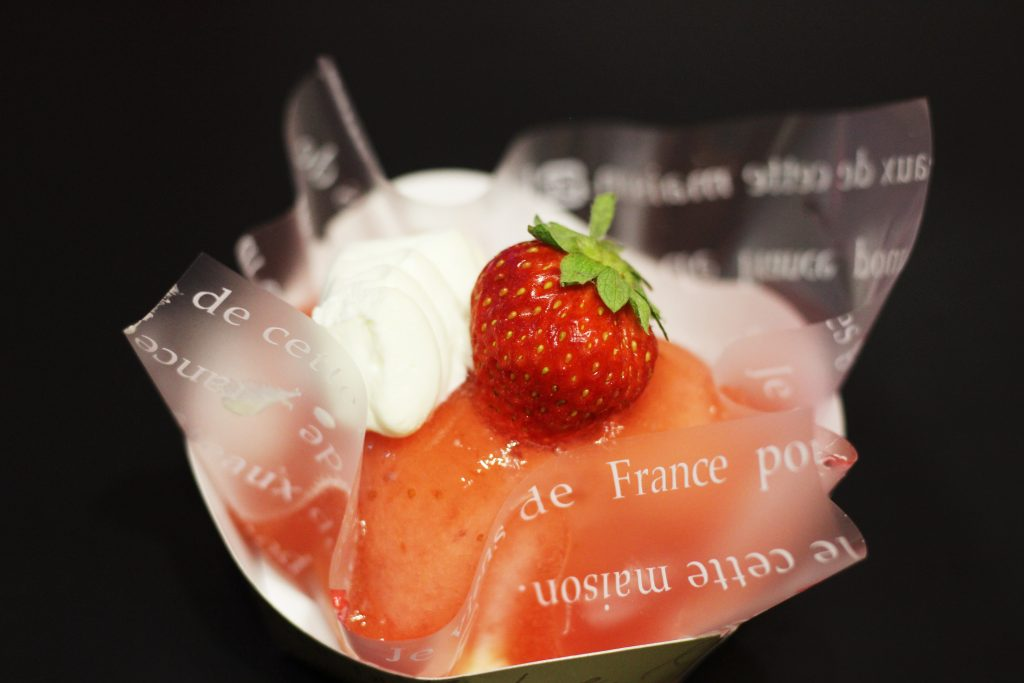 イチゴとフロマージュブランのムース